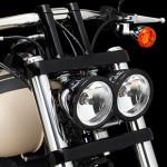 Harley-Davidson-fat-bob-2014-farol