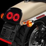 Harley-Davidson-fat-bob-2014-farol-traseiro