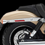 Harley-Davidson-fat-bob-2014-paralama-traseiro