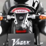 vmax-2014-lanterna-traseira