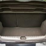 onix-2014-porta-malas