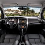 Nissan-Livina-2015-4
