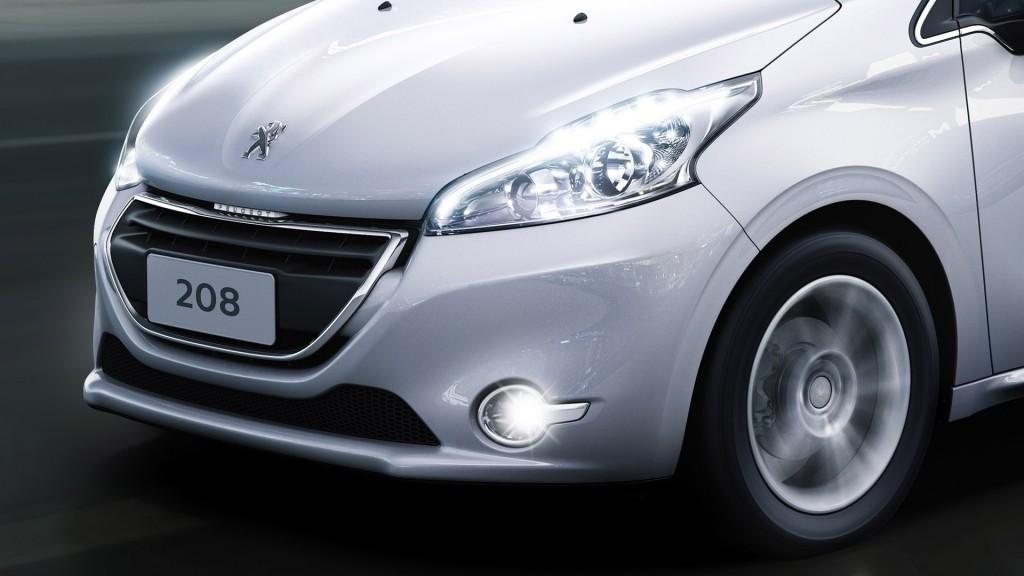 Peugeot-208-2015-(15)