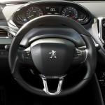 Peugeot-208-2015-(18)