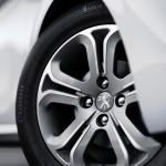 Peugeot-208-2015-(2)