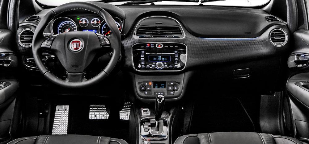 Fiat-Punto-Blackmotion-2015