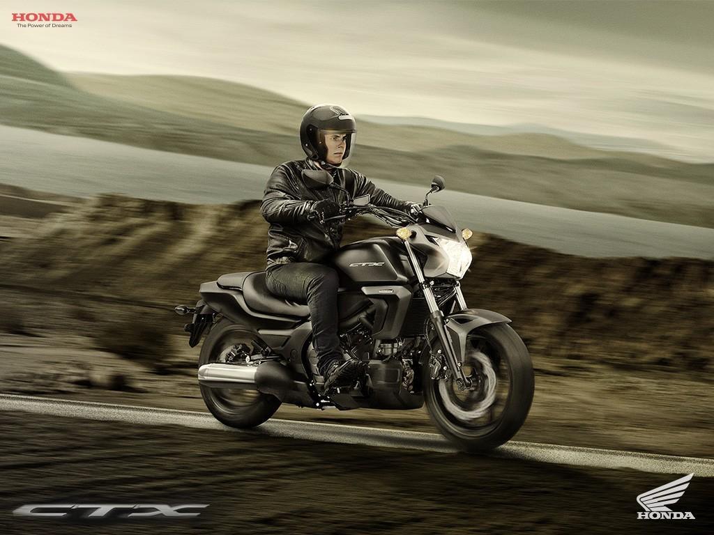Honda-CTX-700N-2015 (5)
