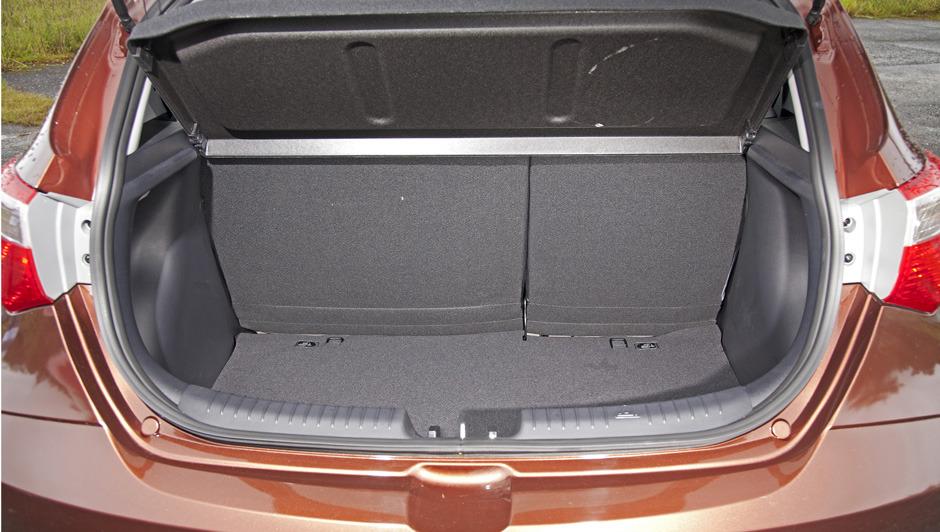 Novo HB20x - porta malas
