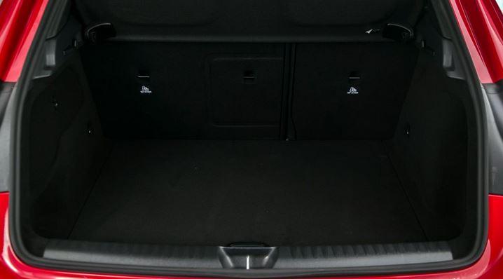Novo Mercedes GLA 250 2016 porta malas