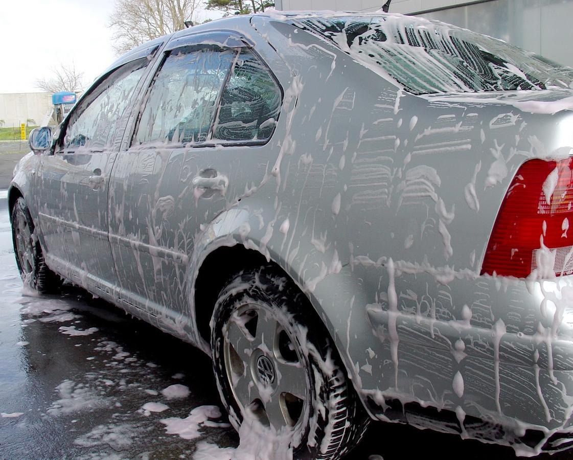 Como-lavar-o-carro-corretamente-sem-riscar