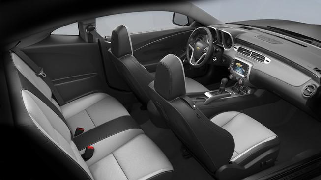 Camaro-2017-interior2
